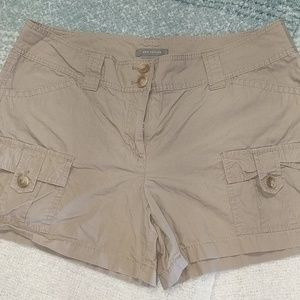 Ann Taylor signature fit cargo shorts